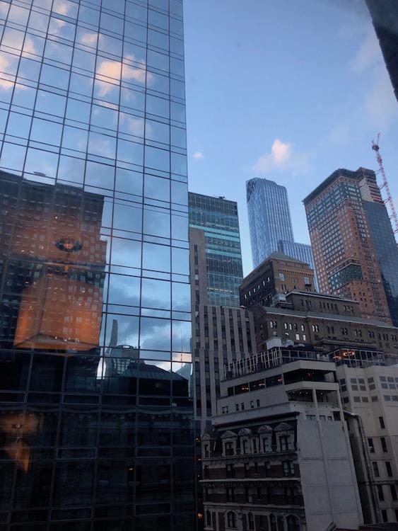 Reflet building